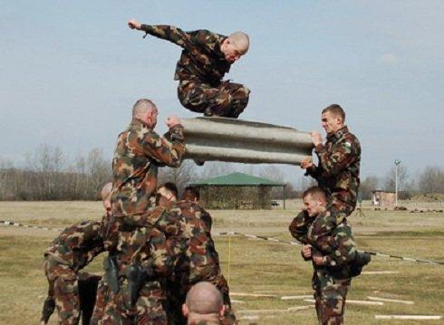 magas vérnyomású katonák