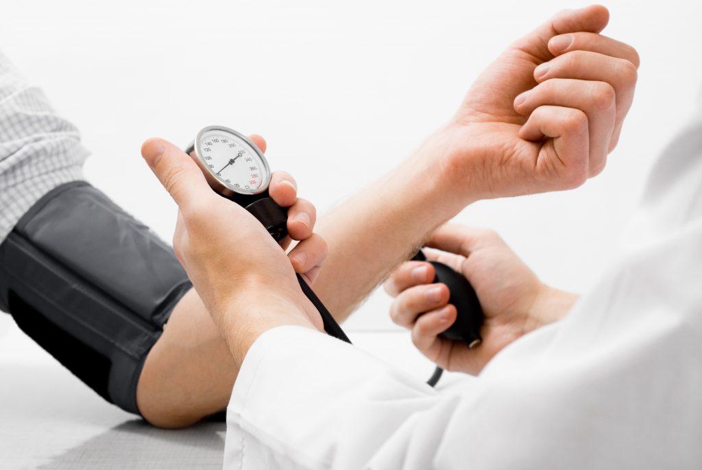 osztályok a magas vérnyomás csarnokában hogyan lehet egy nap alatt megszabadulni a magas vérnyomástól