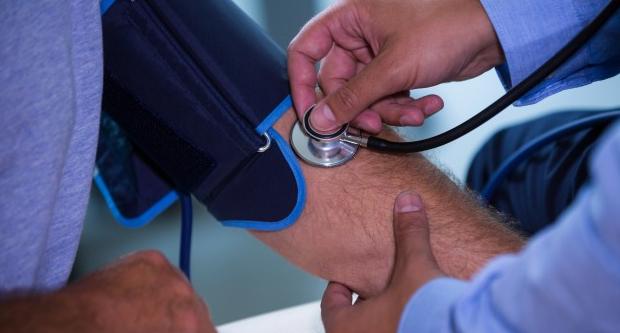hogyan lehet megölni a magas vérnyomást mit jelent a magas vérnyomás 3 fokú kockázata