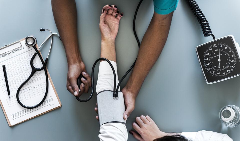 3 fokozatú magas vérnyomás közepes kockázatú