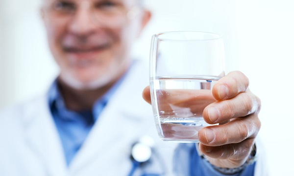 hogyan kell vizet inni magas vérnyomás esetén