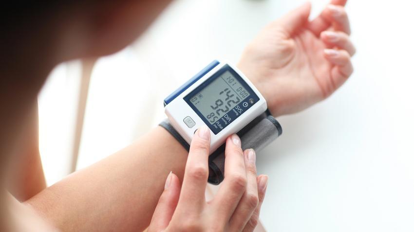 pihenés magas vérnyomás iszkémiával